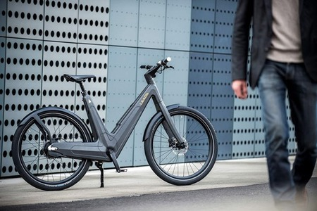 140331-Leaos-Carbon-Fiber-Urban-Electric-Bike-1-R