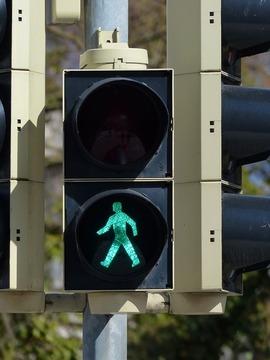 traffic-lights-99907_640