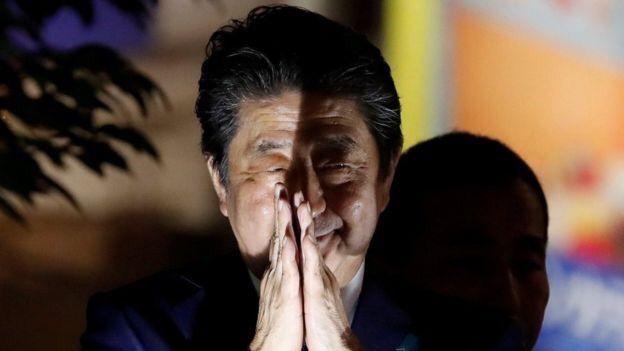 自民党勝利を確信した安倍総理の笑顔がwwwwwwwwwwww