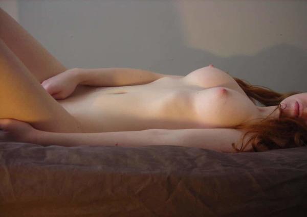 【エロ注意】「世界一乳首がピンクな少女」が妊娠した結果・・・(画像)