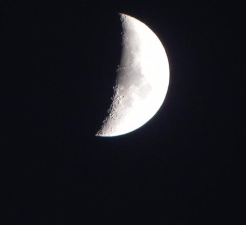 夕方の月-2