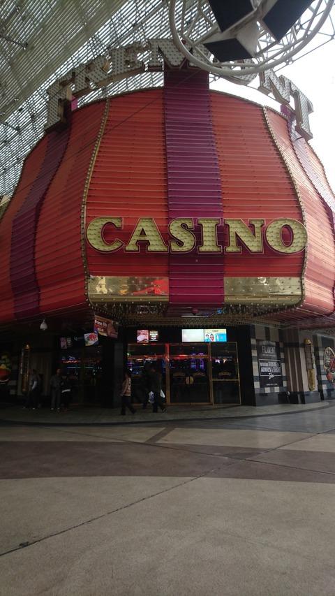 ラスベガスのカジノに行ったら、プログッシブタイプのビデオポーカーがおすすめ!