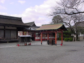 朝の東寺の風景