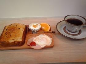 コクウでの朝食500円