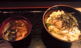 安い!鱧丼・味噌汁・佃煮・湯豆腐・コーヒーつき700円