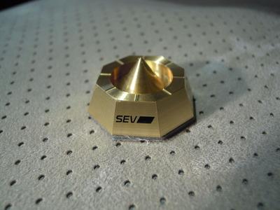 SEV 003