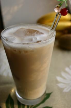 シナモン&バナナのアイスミルクティー