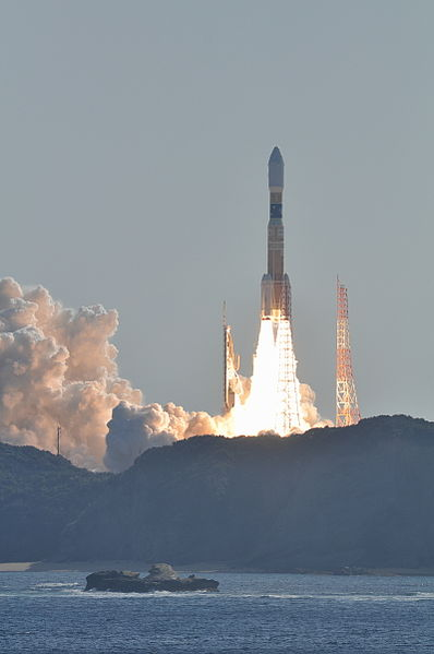 398px-H-IIB_F2_launching_HTV2