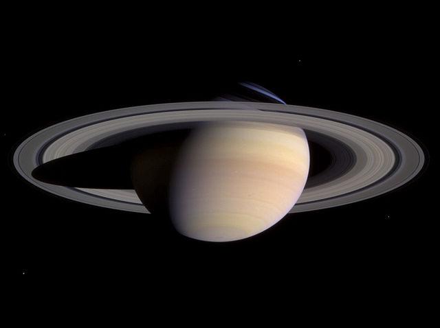 640px-Saturn-cassini-March-27-2004