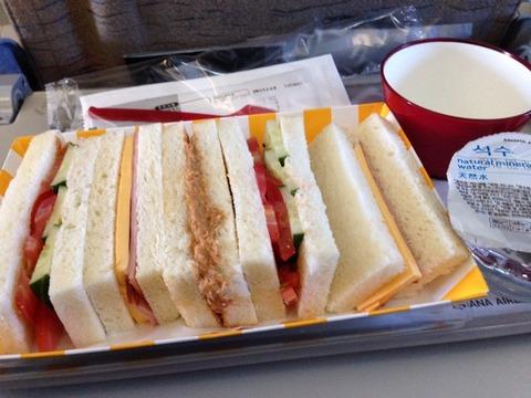 アシアナ航空 OZ121便の機内食
