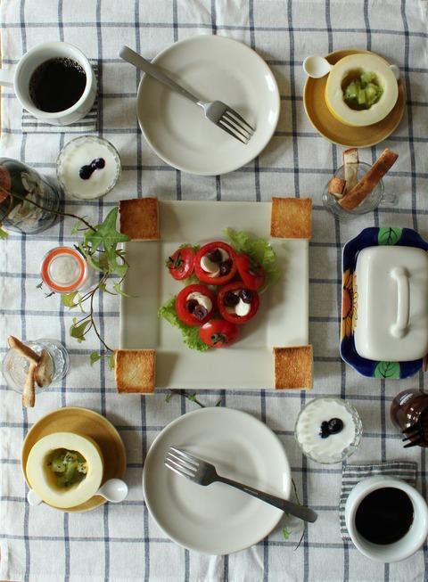 Breakfast : CherryTomato Salad, Oriental Melon&Frozen Kiwi, Yogurt, Blueberry, Toast, Coffee
