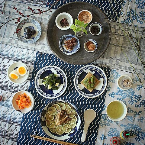 Breakfast : Japanese Style ASAGOHAN Sudachi Udon, Koyadofu Nimono, Wakame, Ninjin Salad, Tamago, Ocha