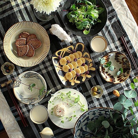 Breakfast : Pork Rillettes, Green Salad, Olive, Banana, Blueberry, Bread, Milk