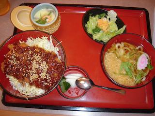「まるまつ」チキンカツ丼+花うどんセット
