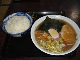 前田食堂ラーメンライス