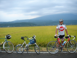 とうかいサイクリング秋篇3日目_鳥海山バックに