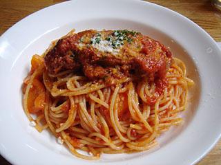 豚軟骨のトマト煮パスタ
