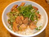 「太陽のトマト麺」鶏めし