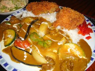 「季分屋」ホタテフライと夏野菜のカレーUP