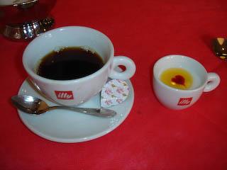 「ボーノ」コーヒーとデザート