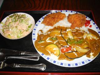 「季分屋」ホタテフライと夏野菜のカレー