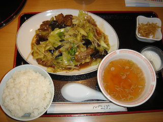 紅焼肉定食
