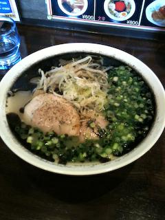 麺屋「吉村」くろゆラーメン