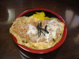 「民宿武蔵」カツ丼