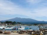 とうかいサイクリング秋篇2日目_象潟漁港からの鳥海山