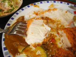 「季分屋」ホタテフライと夏野菜のカレーUP2