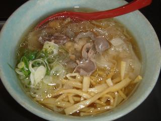 「新旬屋」とりワンタン麺