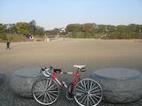 20090406TOKYOサイクリング_皇居大手門前
