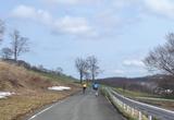 20090424鍋越峠ツーリング_宝栄牧場の下り