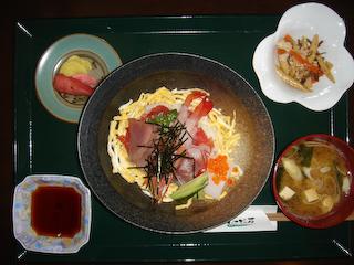 「わさびの花」海鮮丼ランチ