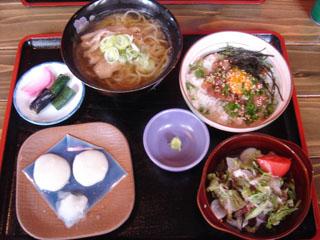マグロユッケ丼+肉ラーメンセット