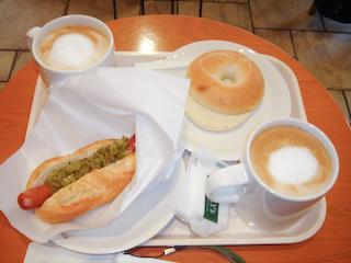 「タリーズコーヒー」ホットドッグ&ベーグル