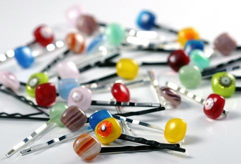 hairpins-262378_1280