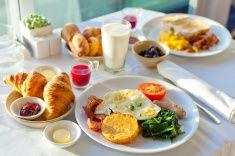 stock-photo-40146130-美味しい朝食