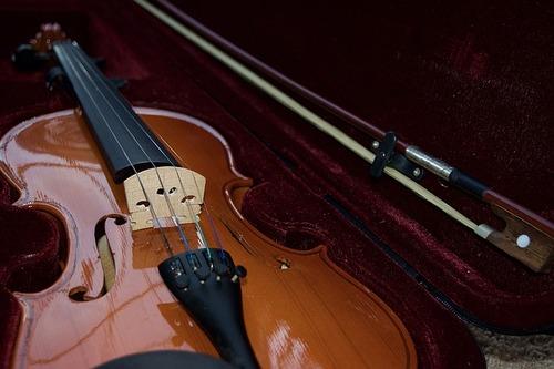 violin-1136986_640