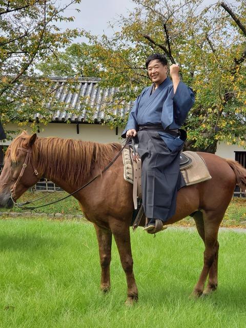 着物で乗馬ひとみん写メ_191007_0001