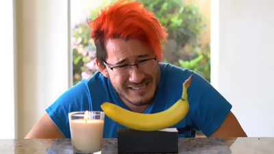 Markiplier_Contemplates_a_Banana_for_5_Minutes