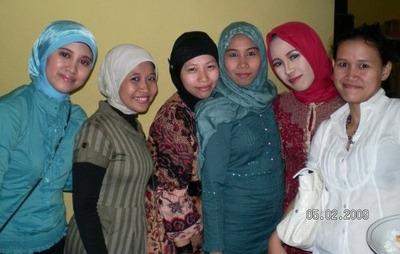 Hijab-Indonesia_Anna_Martadiningrat