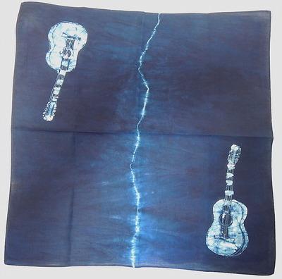 藍染ギターハンカチ