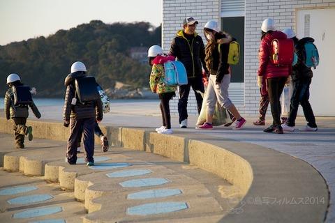 ウミガメ隊_ゴミ拾い活動_前浜_ 2014-01-22 07-40-24