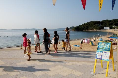 ウミガメ隊_ゴミ拾い_前浜_2013-08-04 07-27-36