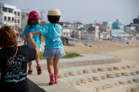 ウミガメ隊_ゴミ拾い_前浜_2013-07-17 08-06-06