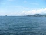 美しい海岸沿いを走る旧線