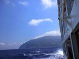 御蔵島を後にする東海汽船