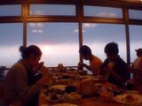 夕陽を見ながら夕食