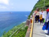 御蔵島の青い海の色
